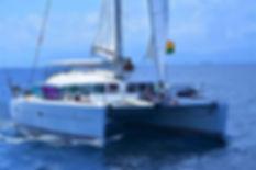 San Blas sailing charter Chris and Marie navegando en San Blas