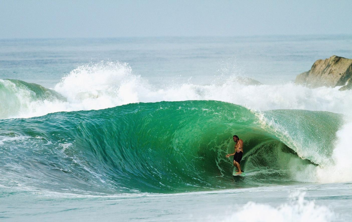 Salina Cruz Surf Camp perfect right point breaks Mexico Barra de la Cruz perfect barrel