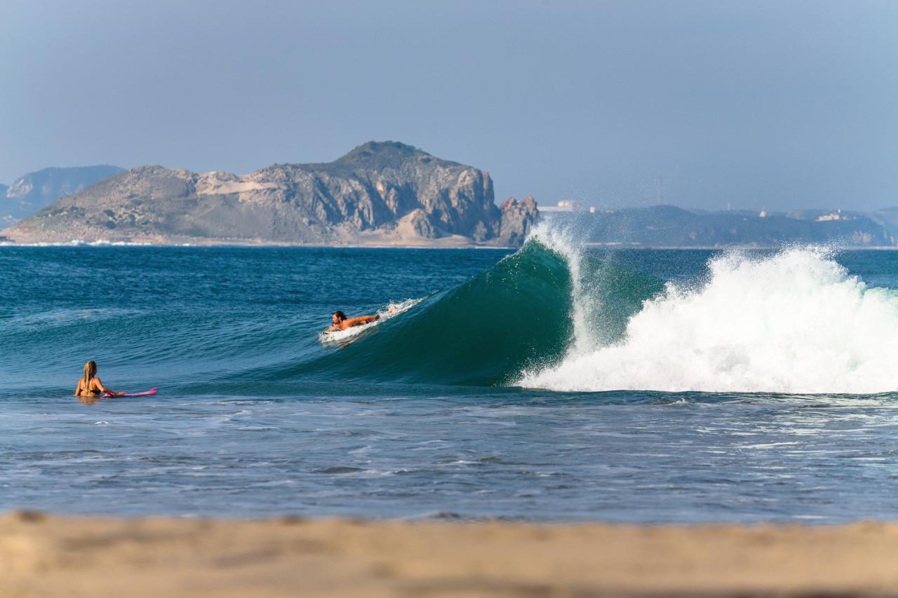 Salina Cruz Surf Camp surf spot La Bamba with surfers enjoying uncrowded waves