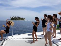 San Blas Zenith II guests enjoying