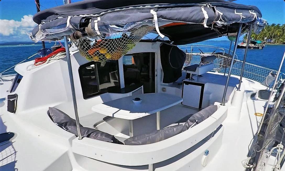 Lavezzi 40 cockpit table San Blas