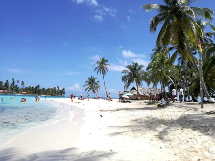 San Blas Day Tour guests on Isla Perro