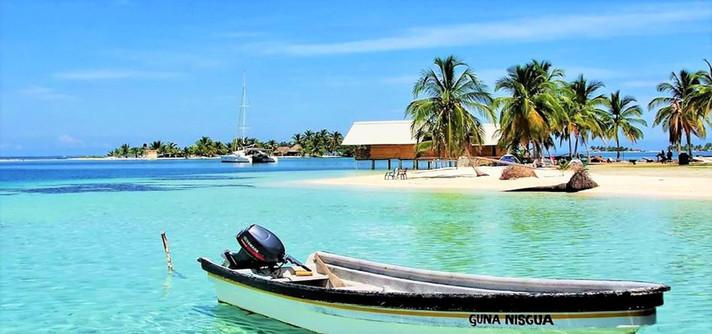 Wailidup island in San Blas panga