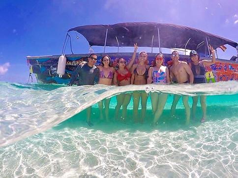San Blas Day Tour Boat Friends Ocean