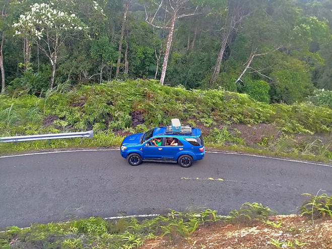 Curvy roads through forest to San Blas islands