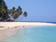 Perfect beach in San Blas with volleyball net