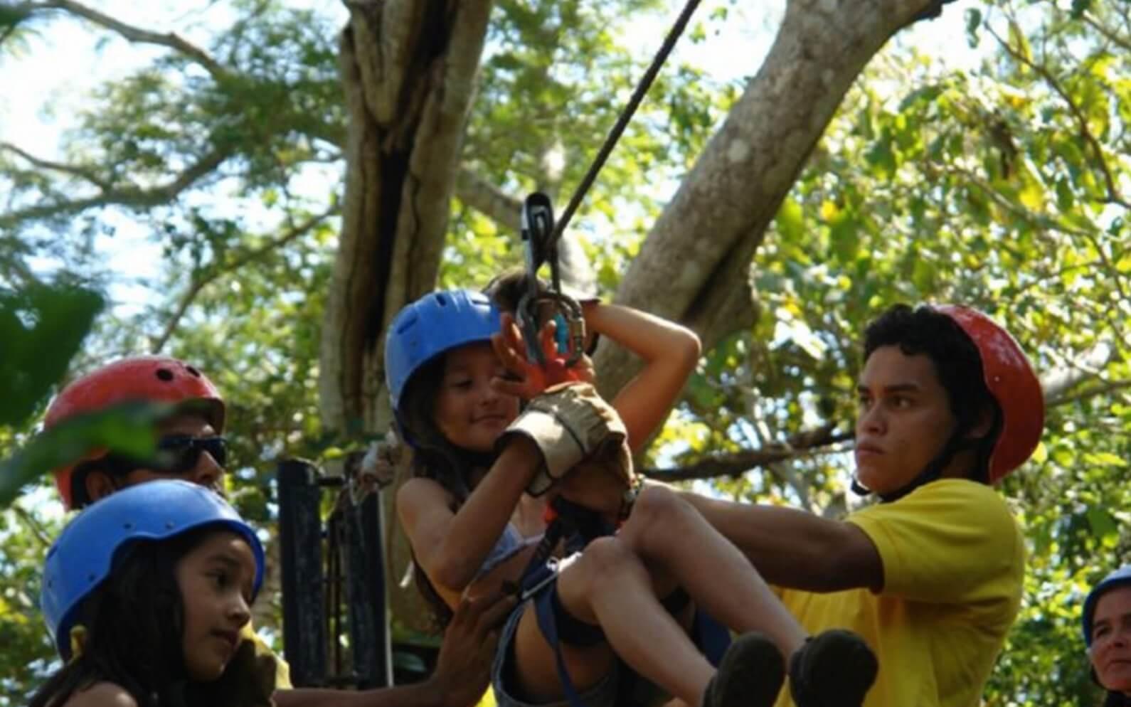 Tamarindo Guanacaste Costa Rica zipline canopy tour guide assisting guests