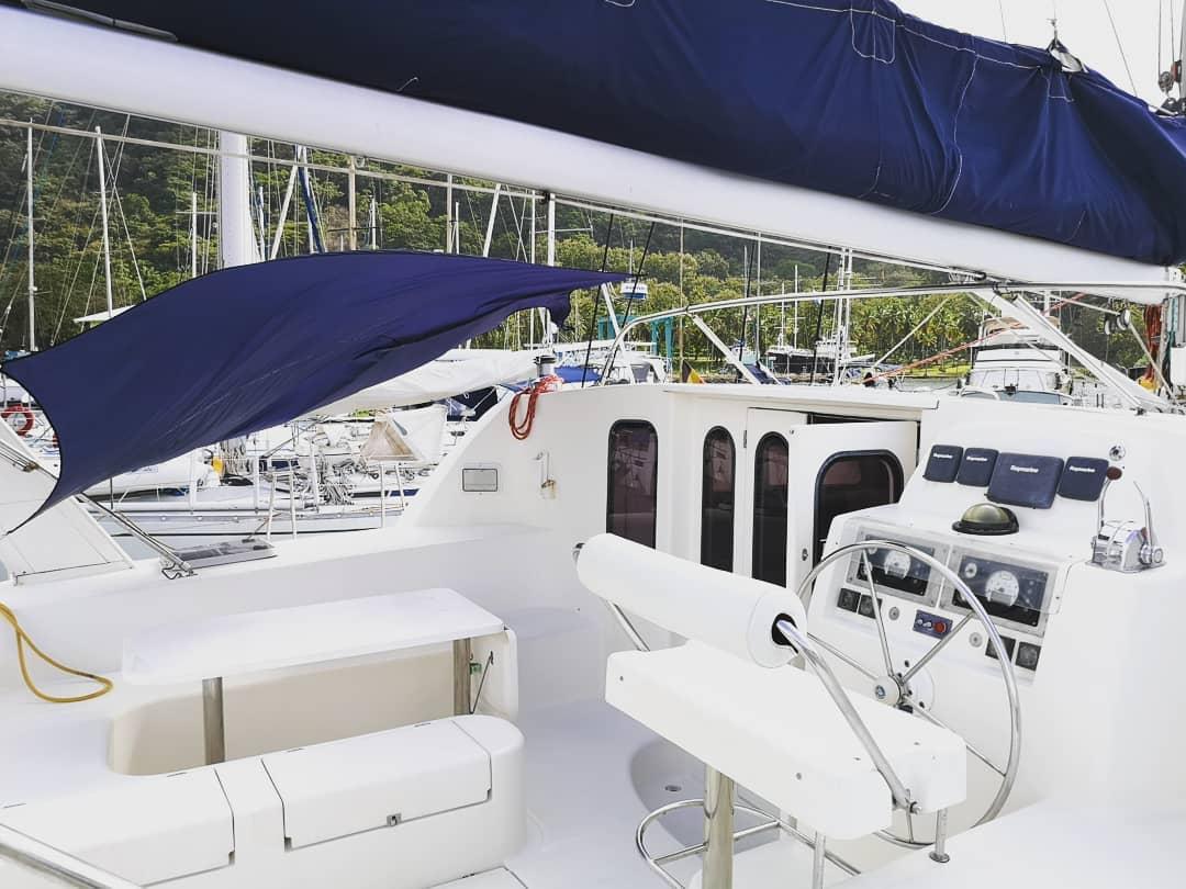 Vicky II cockpit San Blas charter