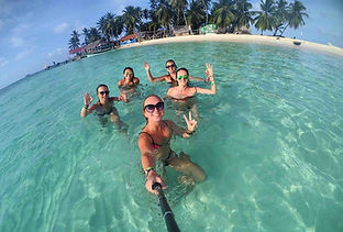 San Blas Day Tour guests having fun