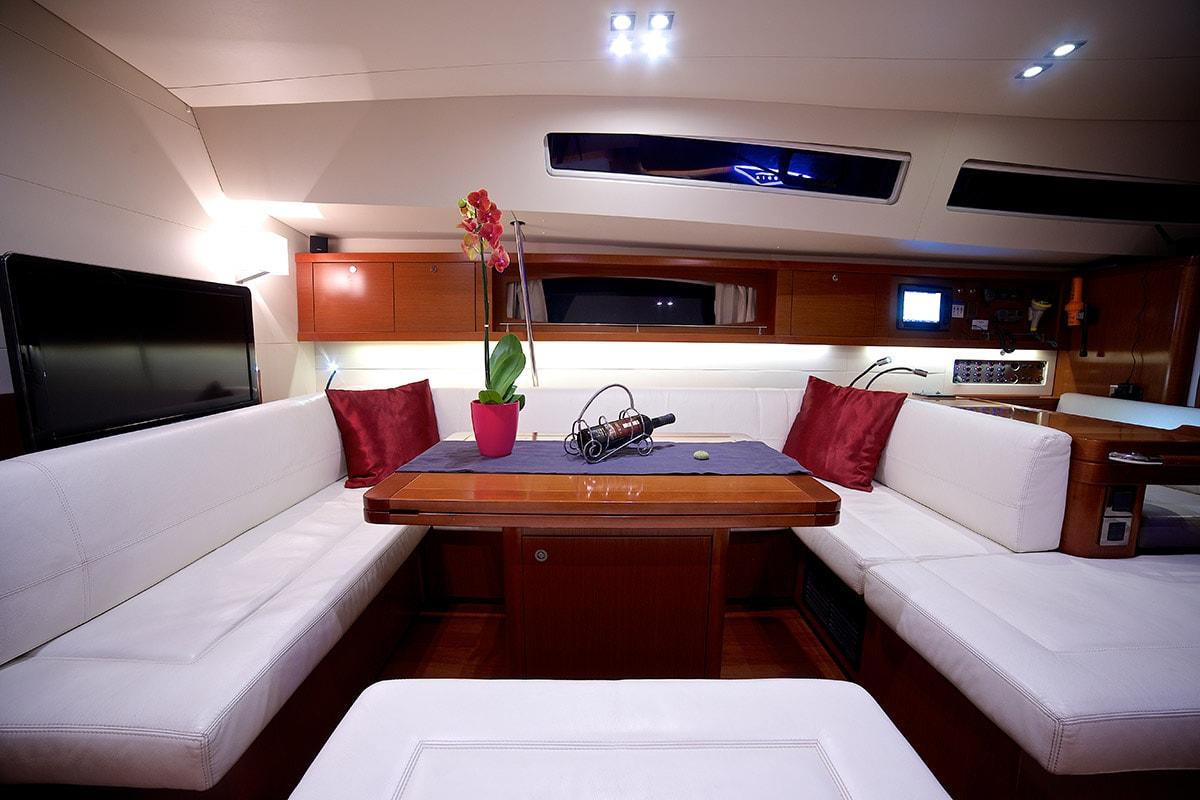 Queen Axiera interior with sofas