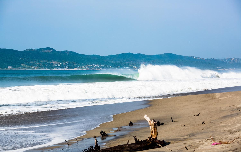 Salina Cruz Surf Camp epic day in Salina Cruz with clean waves
