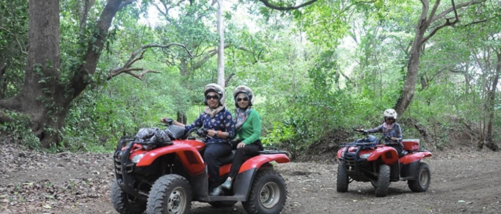 Tamarindo Guanacaste ATV adventure tour group rental riding driving on forest trail