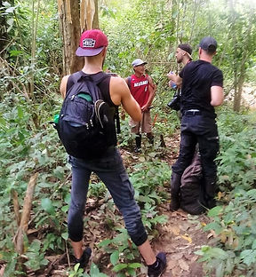 Darien Jungle Expeditio guests with guide