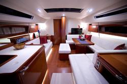 Queen Axiera spacious interior