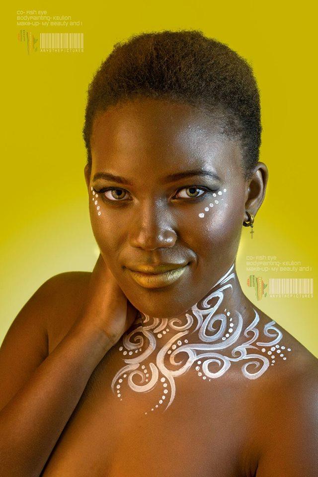 Portrait Special AfroPrint #suncolor