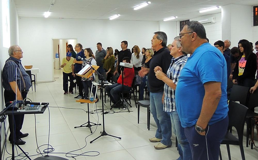Uma das vigílias realizadas na sala multiuso, em 2016