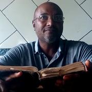 Reunião de oração com vários líderes translocais; mensagem de Geraldo Gonçalves