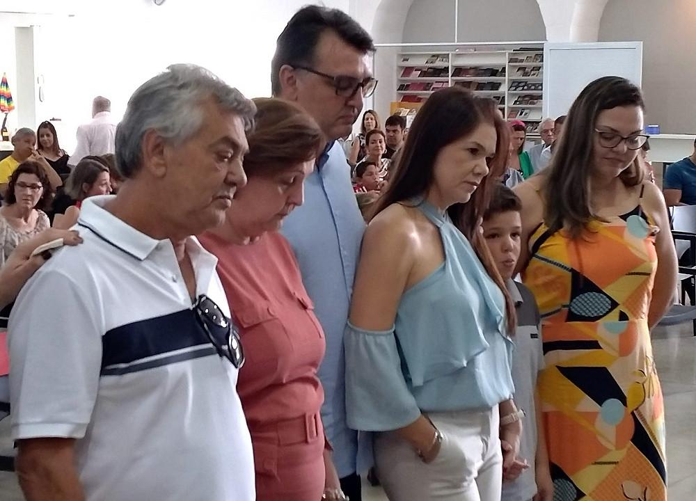 Da esq. para a direita: Aírton, Leni, Júnior, Daniela, Luca e Ana Cláudia
