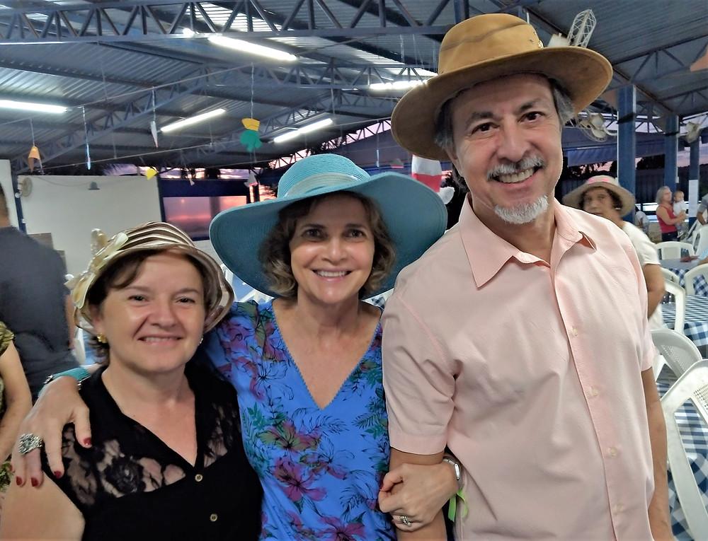Maria Caciola e o casal Sílvia e Gil Negrão