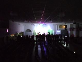 Louvor, adoração e comunhão