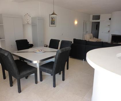 4 dinning livingroom.JPG