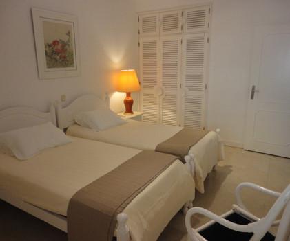 10 2nd bedroom.jpg