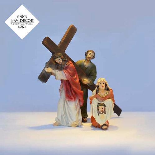 copia de Escena cristo acompañado con la cruz
