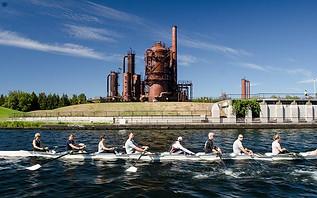 Team Building Rowing 1.jpg