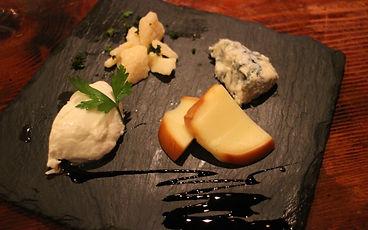 イタリアチーズの盛り合わせ.jpg
