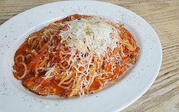 ランチ チーズたっぷり完熟トマトとベーコンのパスタ.jpg