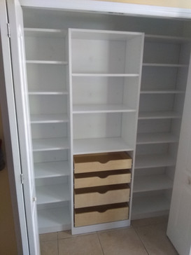 Drawer Pull-Out With Scoop