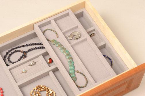 Jewelry 2 Tier Velvet