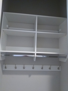 Upper With Soft Corners and Hooks