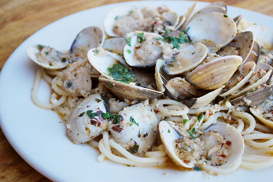 ARTIANOS SPAGHETTI AND CLAMS.JPG