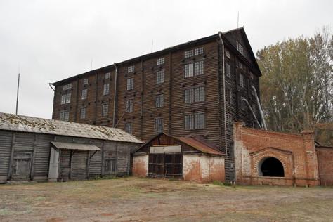Шестиэтажная бревенчатая мельница простояла более ста лет