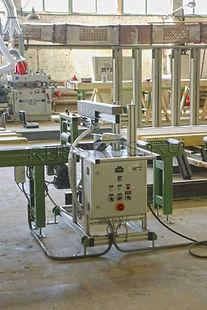 Клеенаносящая машина для производства клееного бруса