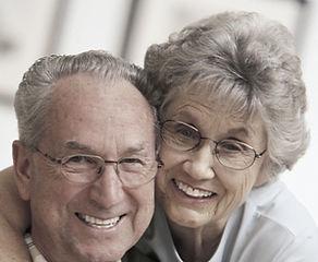 Pares mais velhos MF com óculos