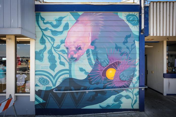 Alex_Underwood_Joey_Rose_Finished_Mural_Photo_Selection_Sea_Walls_Santa_Cruz_September_202