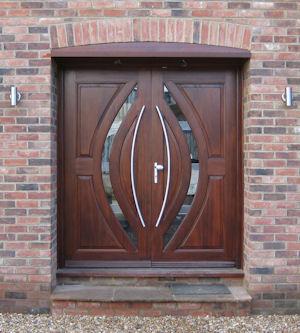 Double entrance doors in Mahogany