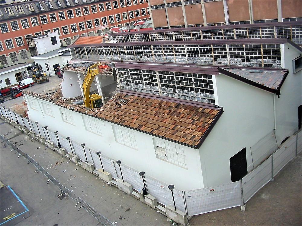 Un anno di lavori cambia l'aspetto di questa parte della via Tortona per aprire poi le porte nel 2007 al Fuorisalone della Design Week