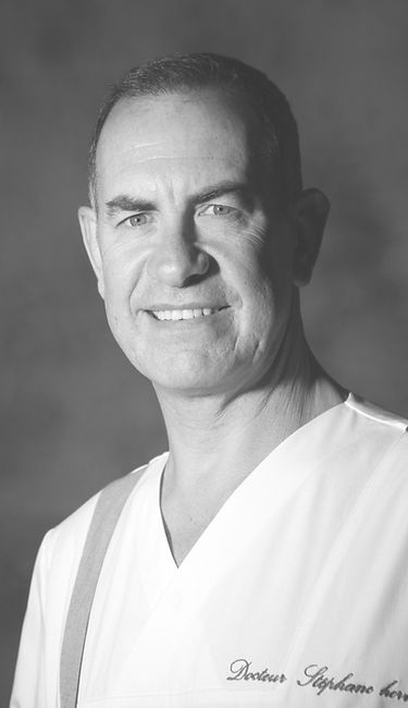 Dr. Stéphane Hervé provides his patients with state-of-the-art technology for ENT head and neck diagnosis and surgery