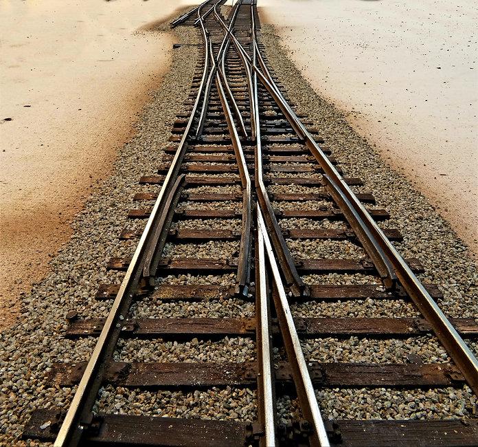 Armamento Ferroviario   Riproduzioni in scala ridotta di ferrovie e rotabili   Scambi   Arredo e Accessori Stazioni   Modelli   Progetti   Motorizzazioni