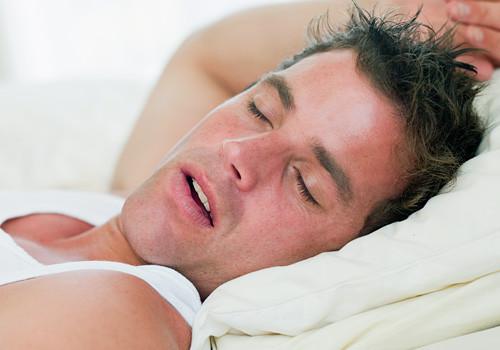 Comment dormir avec des acouphènes