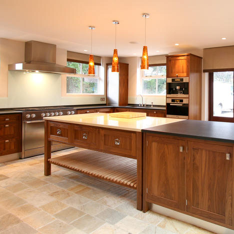 Fitted & Freestanding Kitchen Furniture