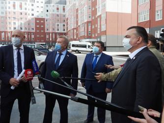 Борис Хохряков оценил темпы и качество строительства социальных объектов