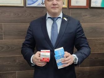 Дмитрий Велкиий передал лекарства врачам ковидного госпиталя