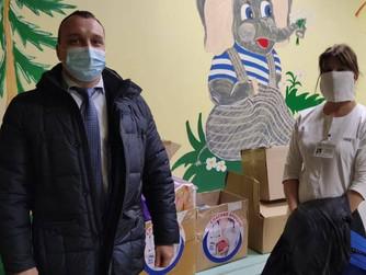 Депутат передал в больницу средства ухода за лежачими больными