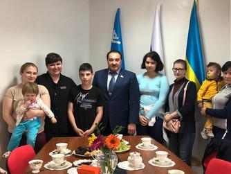 Сергей Великий продолжает акцию «Собери ребенка в школу»