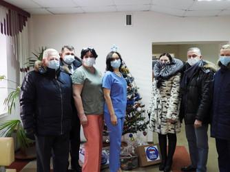 Депутаты Думы города поздравили медицинских работников с наступающим Новым годом