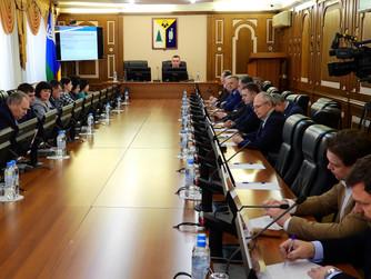 Депутаты-единороссы Думы Нижневартовска подняли вопрос о снижении налога на имущество.